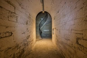 Spiral_staircase_Camden_Fort_Meagher