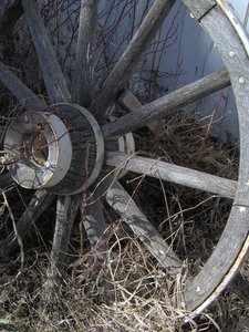 """Brumet explicó que """"dukkha"""" es como el eje que no encaja bien en una rueda, y hace que ésta chirríe, rechine y brinque con el movimiento. (Foto por rgbstock.com)"""
