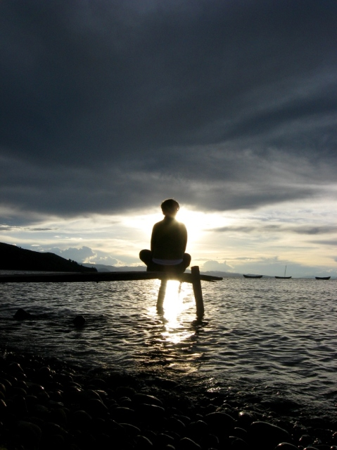 Yoga_and_meditation_on_Lake_Titicaca_Bolivia