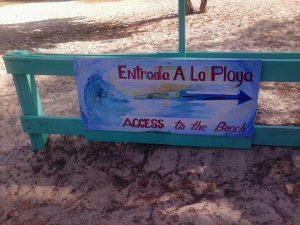 Entrada a Playa Flamenco en Culebra. Foto por Samadhi Yaisha, 2014