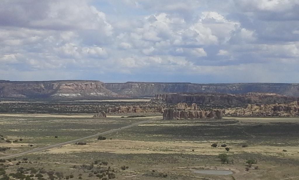 Planicie de camino a Sky City, Nuevo México. Foto por Yaisha Vargas 2015