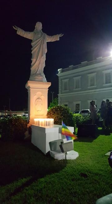 Acto en memoria por las víctimas de Orlando USC 27 junio 2016