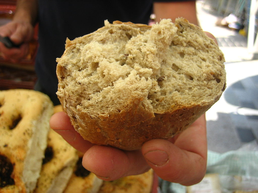 1024px-Bread_(1350128735)
